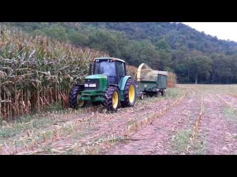 john deere 6420 chopping corn 2013 - YouTube