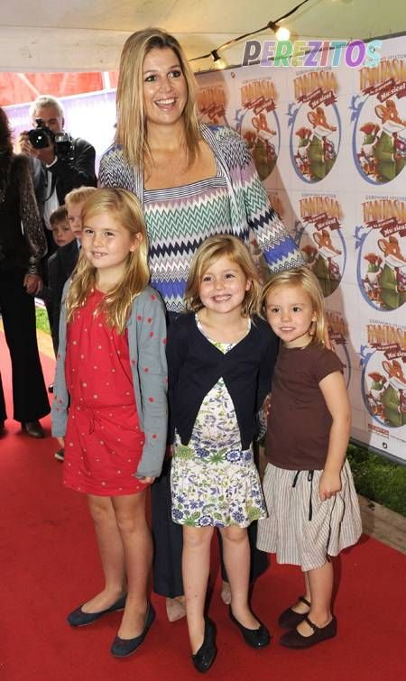 Princess Maxima Takes Her Royal Girlies To The Movies  9/22/2011