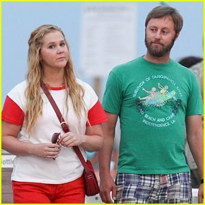 Amy Schumer Films a Date Night Scene with Rory Scovel