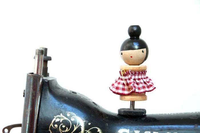 Bobine PoiS PlumeS pour décorer sa machine à coudre ou enrouler de jolis rubans... !