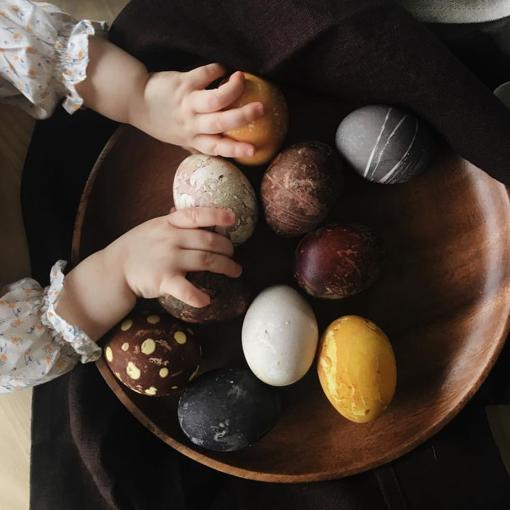 Weekendproject with my oldest. Natural dyed eggs. It was our first try and defenitely not perfect but we both enjoyed it so much. This…