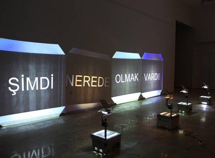 'nerede?' 2016. Enstelasyon. #enstelasyon #enstelasyonsanatı #installation #Art #mixedmedia #overheadprojector #projector #water #paperart #acetad #write #printer #contemporaryart #güncel #duvar #duvarsanatı #Sanat #sanatçı #takipteyiz #takip http://turkrazzi.com/ipost/1518513170703712889/?code=BUS167ujAJ5