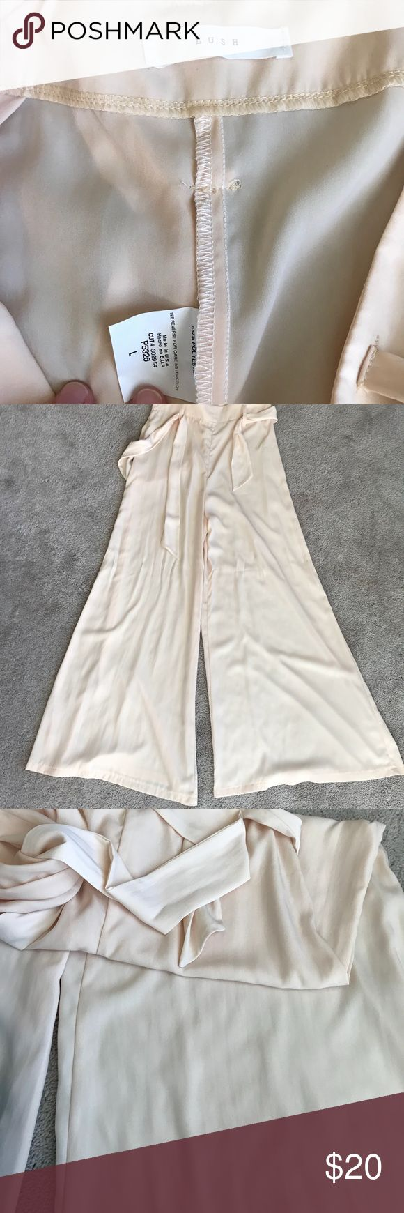 Lush Large Cream White Colored Pants (Nordstrom) These cream colored Lush brand pants are ready for you! This brand can be found at Nordstrom, a very nice department store. Bundle for savings on shipping and discounted prices on items. Thank you so much! Lush Pants