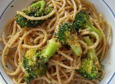 Gli spaghetti con broccoli e bottarga sono un primo piatto facilissimo da preparare e davvero ottimo anche da presentare ad amici e parenti per una cena. #sardegna #food #cibo #madeinitaly #spaghetti #bottarga #broccoli #ricetta #ricette