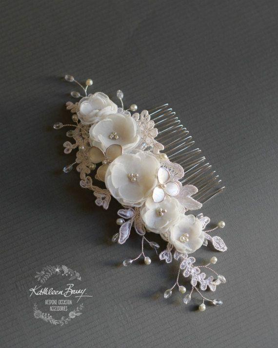 Floreale nuziale avorio pettine velo di pizzo argento, lusso fatti a mano fiori, cristalli e perle nozze accessori stile: Lee