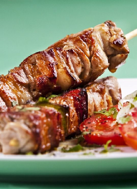 Low FODMAP Recipe and Gluten Free Recipe - Lamb kebabs with quinoa  http://www.ibssano.com/low_fodmap_recipes_lamb_kebabs_quinoa.html