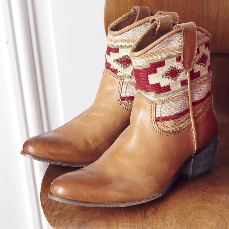 3 suisses boots santiag femme cowboy boots. Black Bedroom Furniture Sets. Home Design Ideas