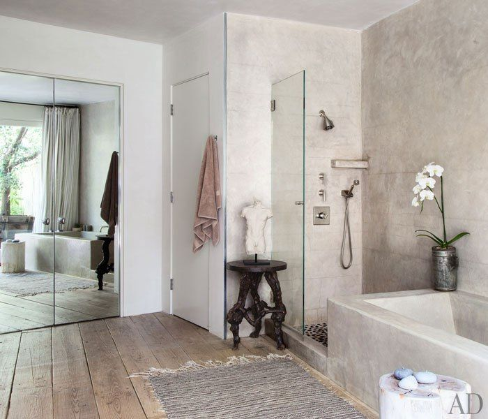 Patrick Dempsey house: a modern and simple bathroom (salle de bain)