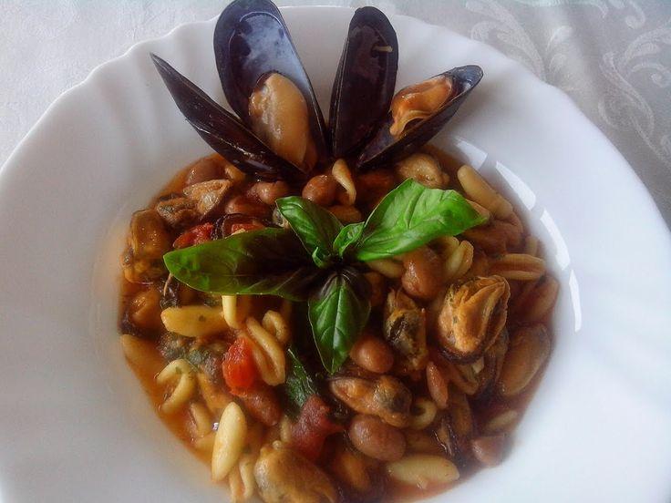 Scopri Come Preparare Pasta e Fagioli con le Cozze: la Straordinaria Ricetta Napoletana, un modo UNICO per Cucinare Fagioli e Cozze!