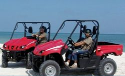 One of the most popular ways to explore Costa Maya is by Jeep, which offers a mix of fresh air and adventure. Drive deep into jungle trails, isolated terrain and secluded beaches.