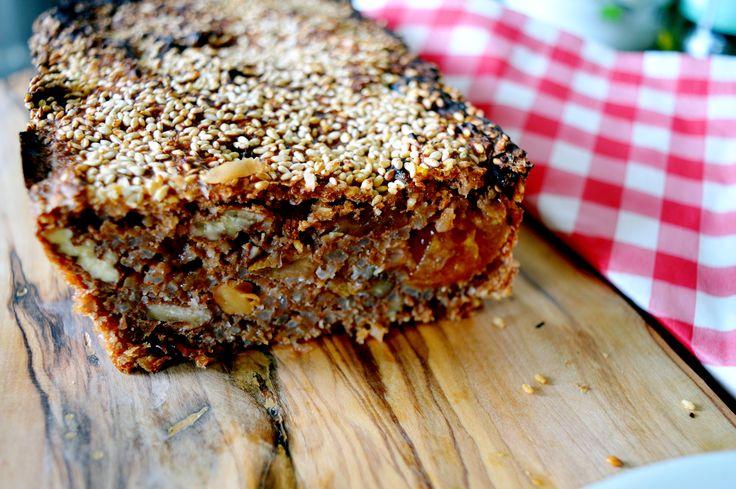 Met dit heerlijke recept voor vegan osawacake kun jij je lol op. Besmeer 'm met jam, notenboter of appelstroop en geniet ervan!