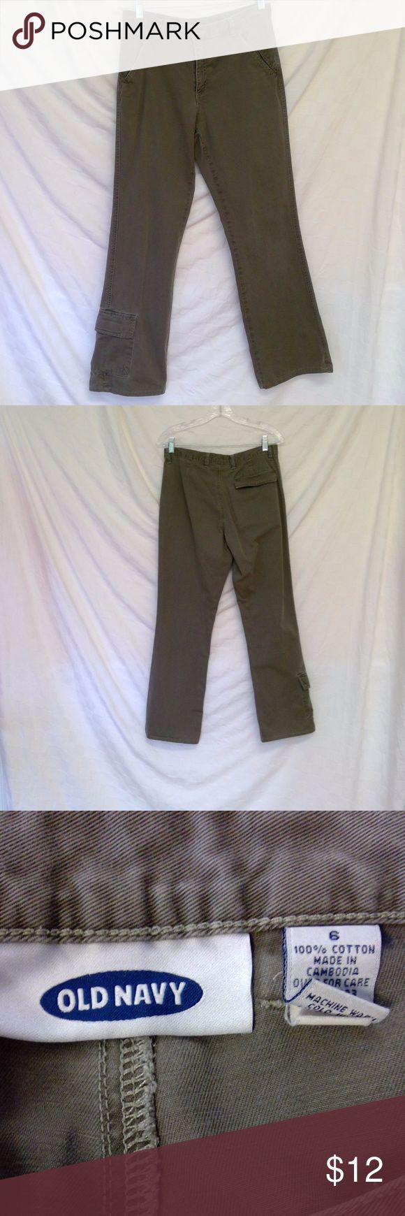 Old Navy Cargo pants Green/taupe cargo with pocket on bottom of right leg.  Waist 32in, Inseam 29 in. Size 6 Old Navy Pants Boot Cut & Flare