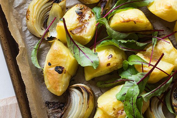 Roast potatoes with a hit of balsamic vinegar – Recipes – Bite