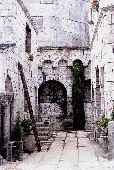 Minas Tirith                                                       …