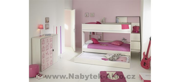 Patrová postel pro dvě děti v růžovém designu