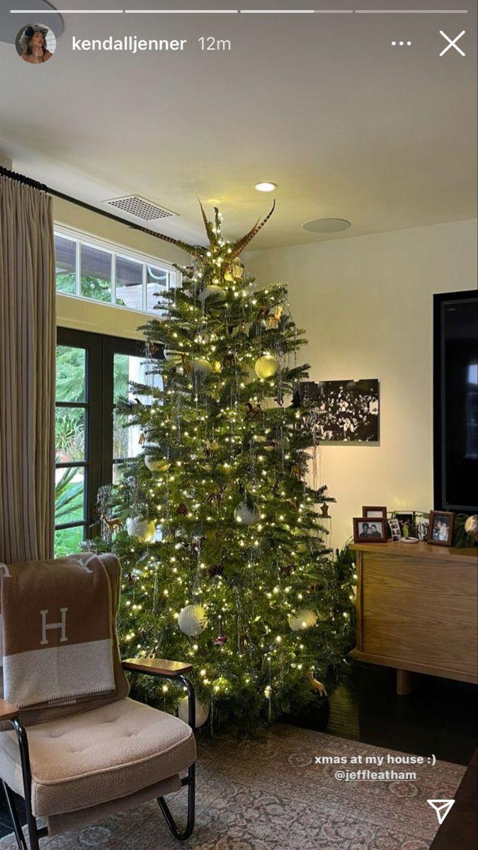 Karjenner Christmas Card 2021 195 Kar Jenner Holidays Ideas In 2021 Jenner Kardashian Christmas Jenner House