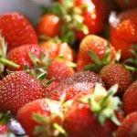 Οι πεντε πιο απλες συνταγες για να απολαυσεις τις φραουλες τωρα την Ανοιξη