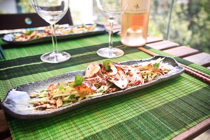 Green Mango Salad, Tea-Smoked Chicken (gỏi xoài, gà hun khói) #vietnamesefood #appetizer #salad #chicken #recipe