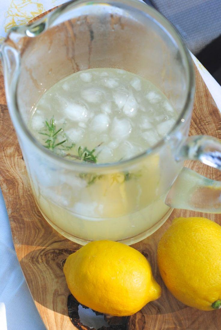 Rosemary Lemonade Recipe (Perfect Summer Beverage!)