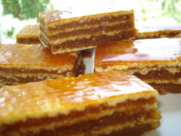 Prajitura cu foi napolitana si crema caramel