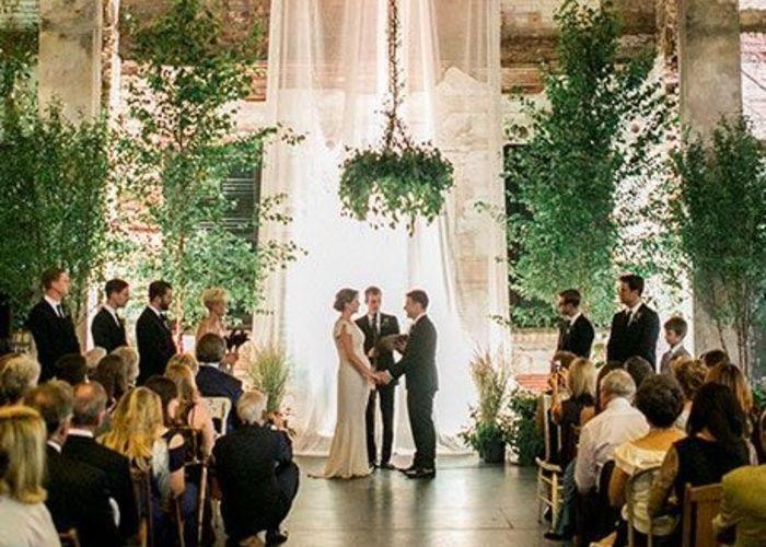"""""""green""""がテーマの結婚式♡シンプル&エレガントな大人コーディネートが素敵*のトップ画像"""