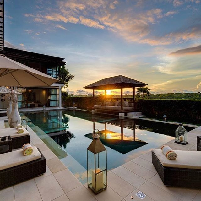 Somewhere in Bali. 🙏🏽 #luxurylifestyle #luxurylistings #luxuryhomes #luxuryproperty #luxuryhome #luxuryrealestate #luxe #respect #interesting #football #instagood #money #youngtalent #luxury #goals #destination #achievement #instamood #congratulations #mindsetofexcellence #personaldevelopment #focus #awesome #holiday #quote #bali #dreams #rich #billionaire #work - posted by Pure Luxe Magazine https://www.instagram.com/pureluxemagazine - See more Luxury Real Estate photos from Local…
