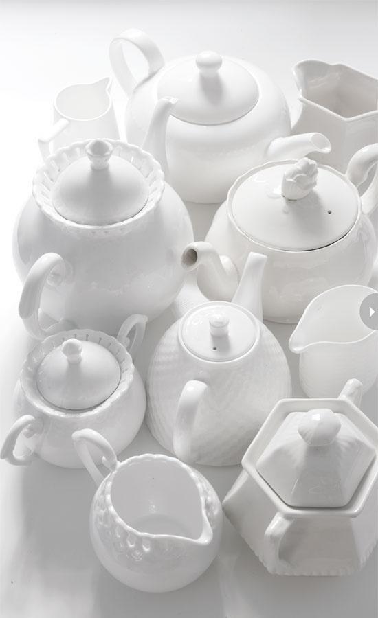 blanc | white | bianco | 白 | belyj | gwyn | color | texture | form | white tea kettles