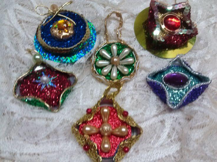 DIY Adornos Navideños hechos con latas / Christmas Ornaments out of alum...