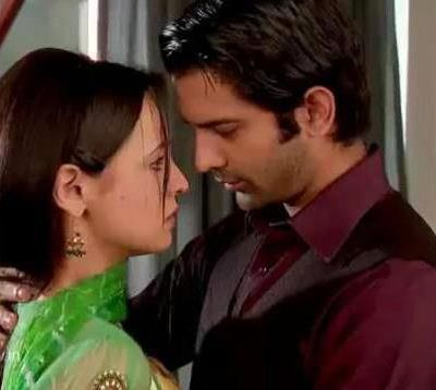Who is scaring Khushi in Iss Pyaar Ko Kya Naam Doon?