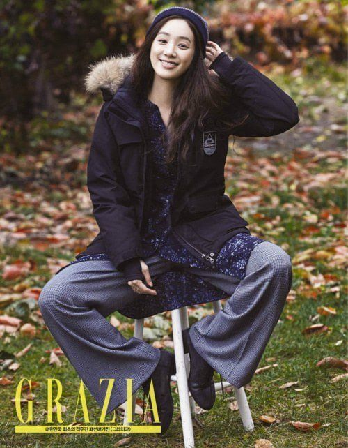 Charismatic actress Jung Ryeo Won proved that she's a goddess who doesn't need to bare her clothes f