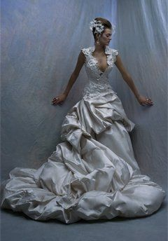 St. Pucchi 9264 Wedding Dress $5,000