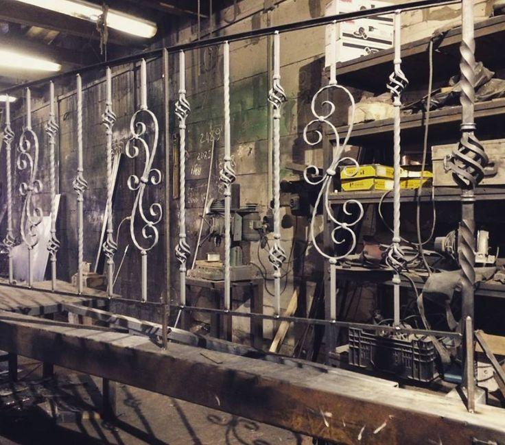 Изготовление и установка кованых балконов в Москве и области