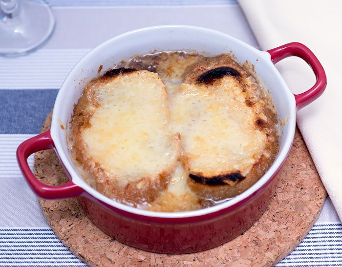 French Onion Soup made with caramelized onions made in a sous vide. #frenchonionsoup #sousvide #caramelizedonions