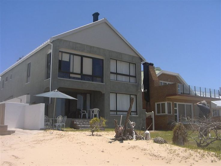 Op-Pi-See Holiday Accommodation - Op-Pi-See offers comfortable holiday accommodation near the beach in Stilbaai. We offer two self-catering apartments that one can book individually or as one unit for up to eight people.Each apartment ... #weekendgetaways #stilbaai #gardenroute #southafrica
