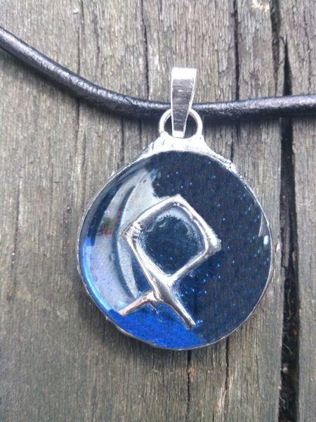 """By SHINR.""""OTHALA""""- Amulet Opieka z Runą Othala. w  Biżuteria ze Szczyptą  Magii * by SHINE na DaWanda.com"""
