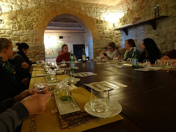 Olive Oil Tasting course in the Oleoteca #oliveoil #Tuscany