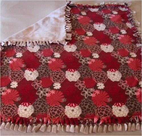 Cozy No-Sew Fleece Blanket: Gift, No Sew Fleece, Blankets Tutorials, No Sewing Fleece, Cozy No Sewing, No Sewing Blankets, Fleece Blankets, Thefrugalgirls With, Crafts