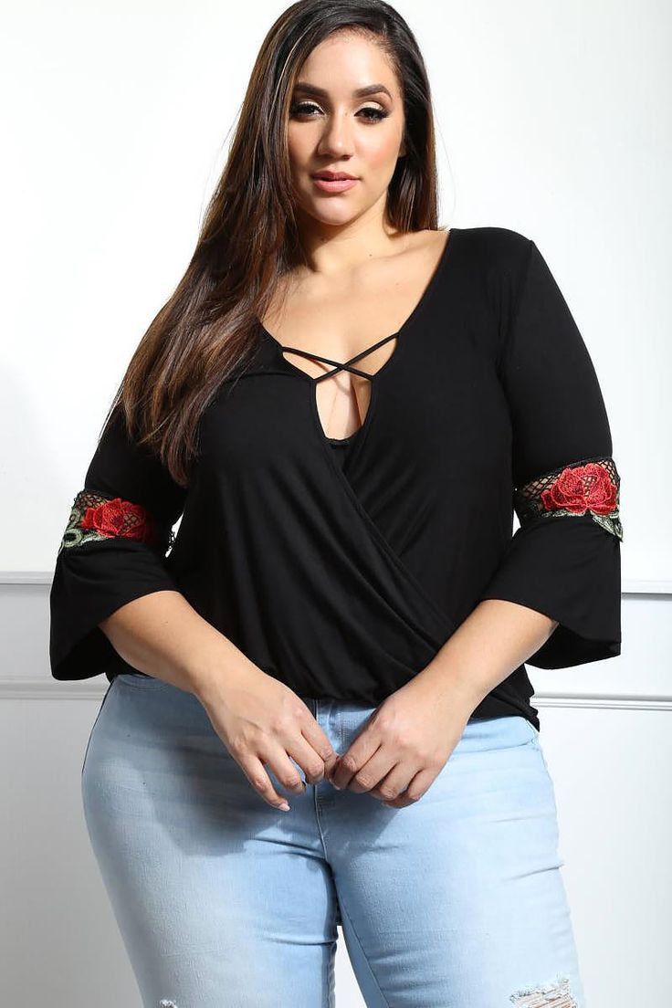 Detail View 6 : FIND THE WAY PLUS SIZE PLUNGING TOP