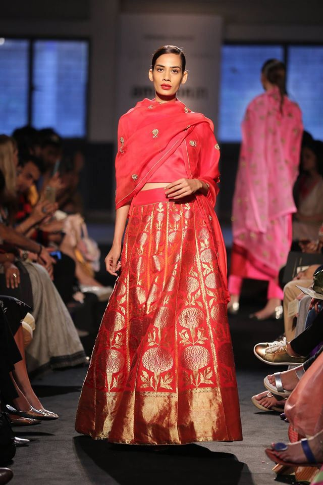 Stunning lehenga seen at Amazon India Fashion Week. This one is by Sanjay Garg of Raw Mango fame. #AIFWSS16 #AIFW #Frugal2Fab