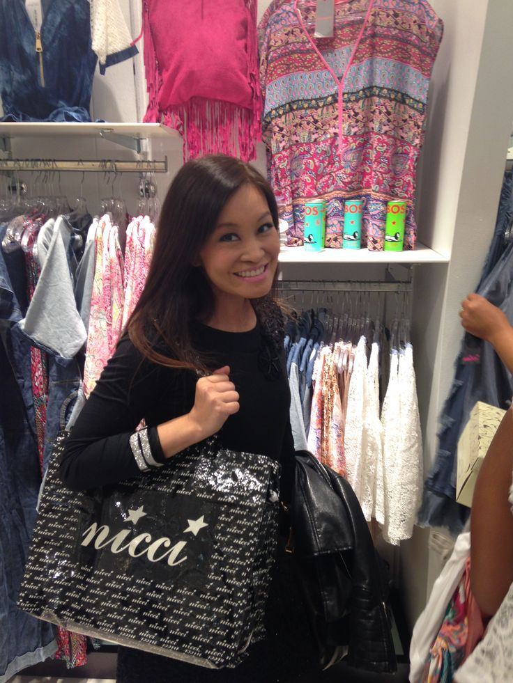 The lovely @jennifer_su with #Nicci goodie bag in hand.