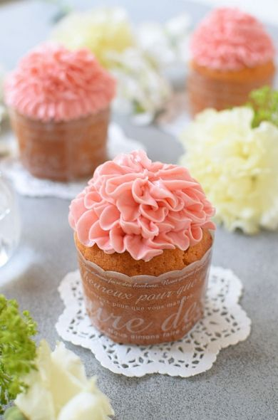 「カーネーション☆ストロベリーカップケーキ」hitomi | お菓子・パンのレシピや作り方【corecle*コレクル】