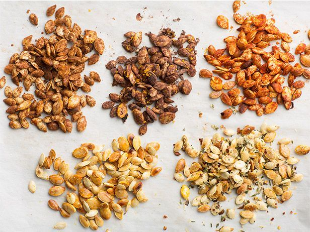 Recipe of the Day: Crunchy, Toasted Pumpkin Seeds 5 Ways If you've just chiseled a grin on a jack o' lantern or baked the perfect fresh pumpkin pie, odds are you're loaded down with pumpkin seeds. Before they land in the trash, toast them in the oven for an easy, crunchy snack.