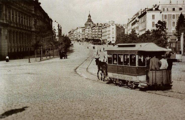Madrid,año 1900.Vista de la calle de Alcalá.   por J.L.Caro