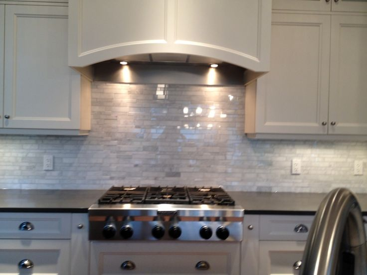 Ceasarstone Concrete Permitter And Nougat Island Backsplash Polished Venatino Marble Random