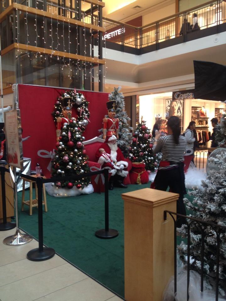 Christmas spirit in Fairview Mall - Toronto - 2012