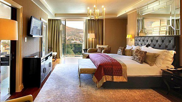 taj hotel-cape-town-bedroom