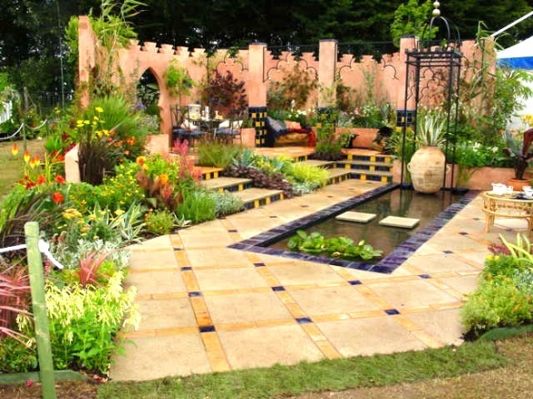 19 best images about moroccan gardens on pinterest for Moroccan style garden ideas