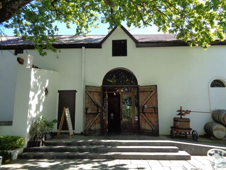 We start our tour in the Riebeeck Valley with wine & olive tasting