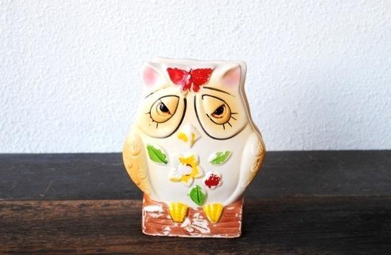 Kitsch Owl Figurine Mail or Napkin Holder, 1960s Chippy Vintage Kitchen Decor