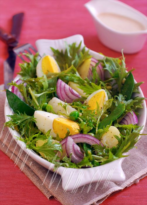 Green salad with potatoes and eggs